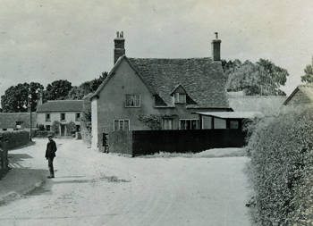 Saville Cottage about 1900 [Z1306/5/10/4]